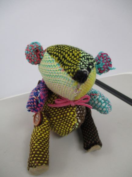 手織りベア